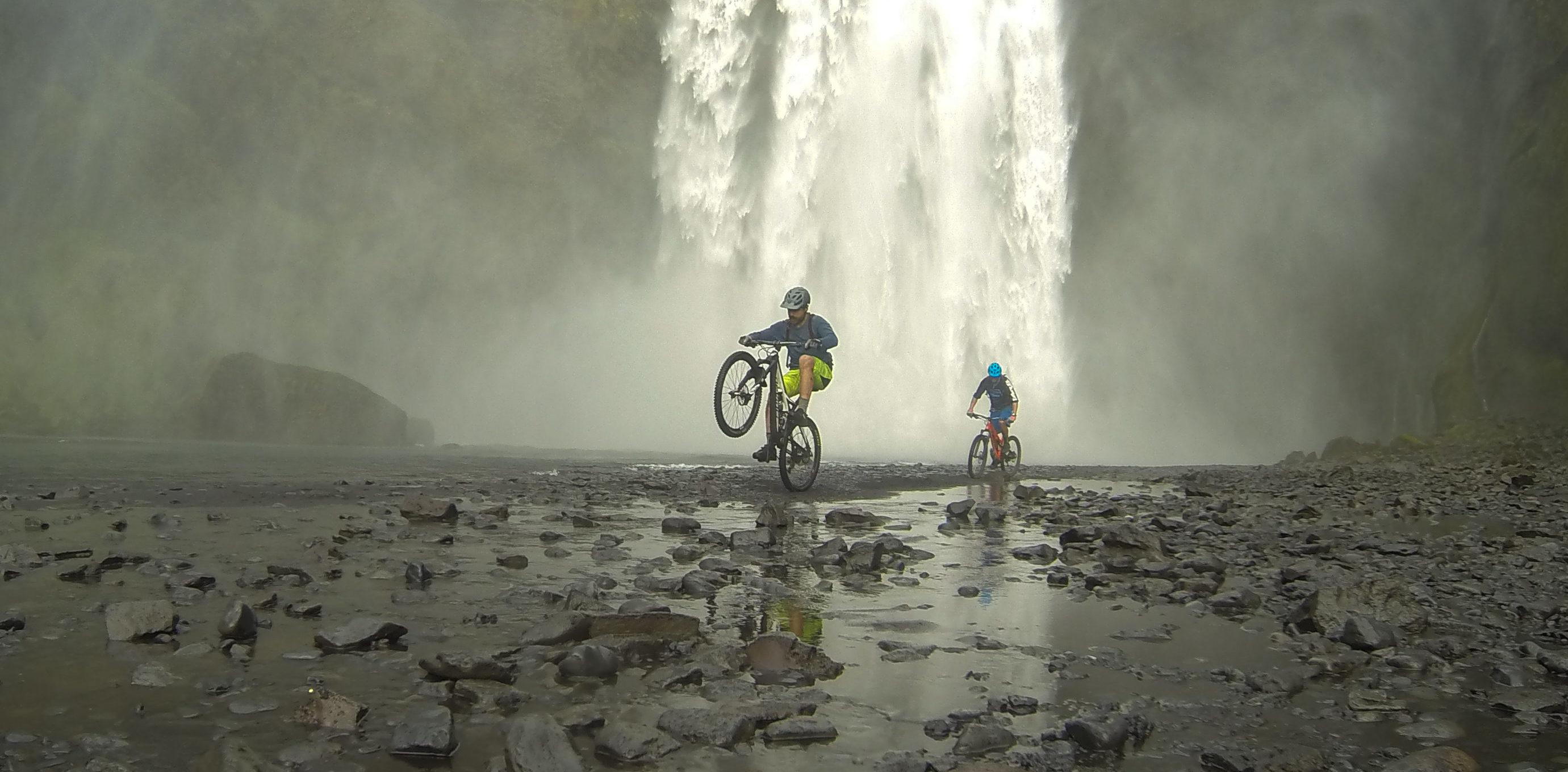 Laugavegur singe track Iceland