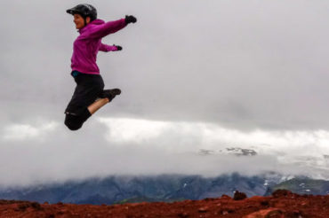 Yoga mtb women in Iceland